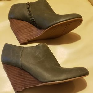 Nine West Green Leather Booties